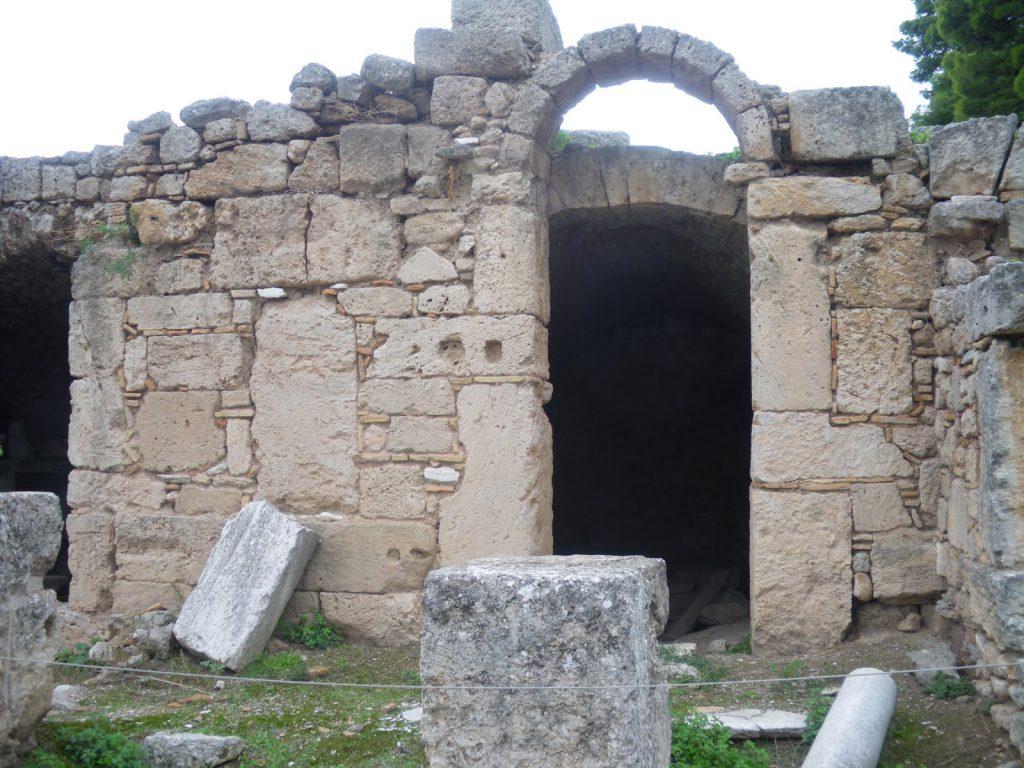 Sitio Arqueológico em Corinto