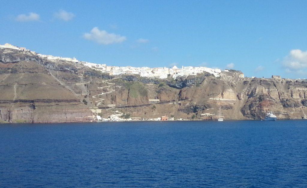 Chegada em Santorini de navio