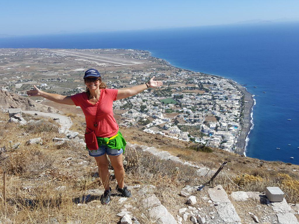 Vista de Kamari a partir de Thira Antiga
